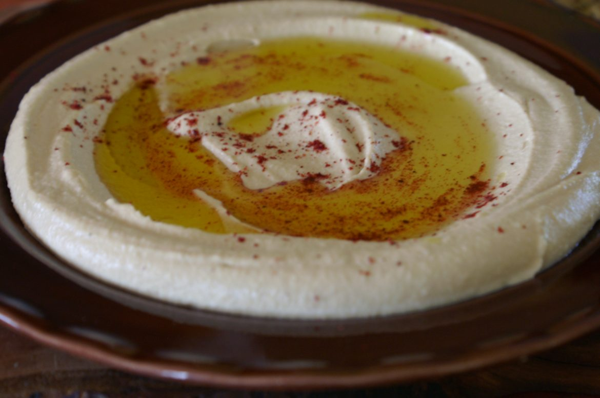 authentic middle eastern hummus